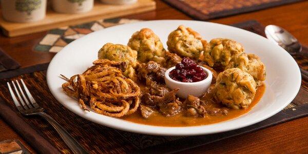 Rumcajsov srnčí guláš alebo pravý teľací rezeň (Wiener Schnitzel)