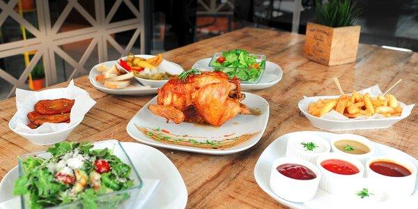 Grilované kurča zo slovenskej farmy s prílohami a omáčkami
