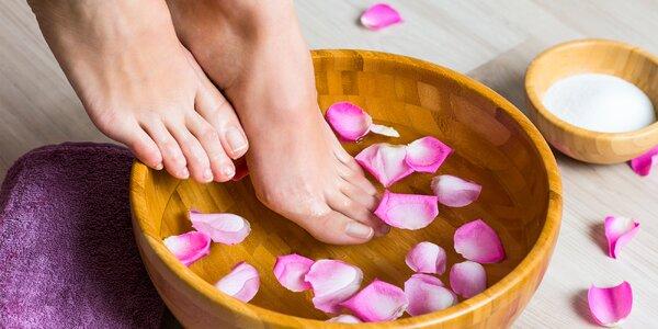 Mokrá či relaxačná pedikúra s peelingom