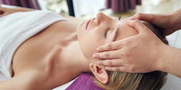 Zbavte sa vrások s liftingovou masážou