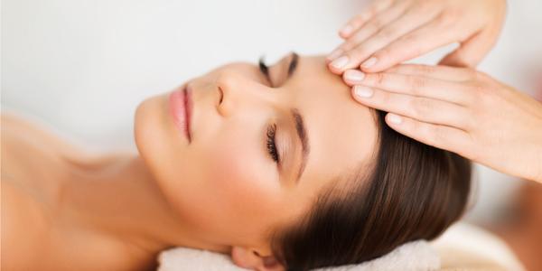 Hĺbkové čistenie, masáž tváre s použitím séra