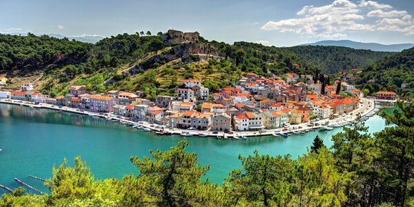Letná dovolenka v chorvátskej Starigrad Paklenici