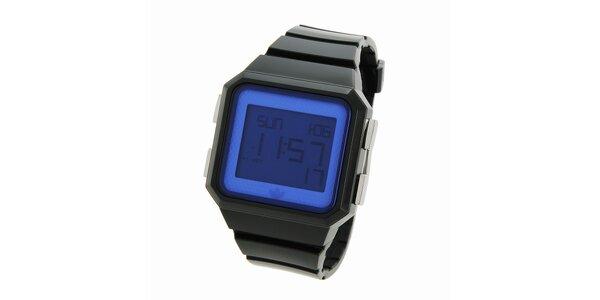 Čierne digitálne hodinky Adidas s modrým ciferníkom