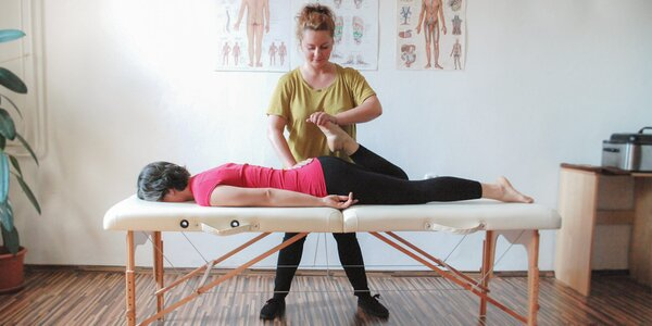 Fyzioterapia s profesionálnou terapeutkou