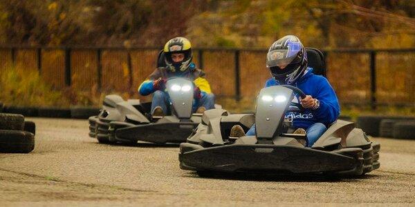 Jazda na motokárach plná adrenalínu