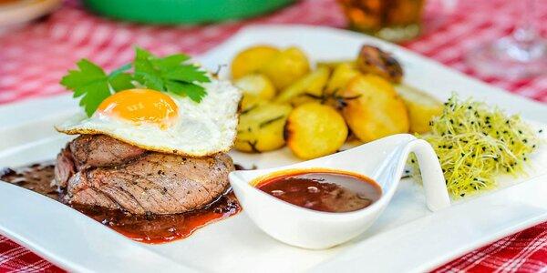 Poctivé steaky z hovädzieho mäsa v Krasňanskej kúrii