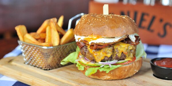 5 druhov peckových burgerov aj s hranolčekmi!