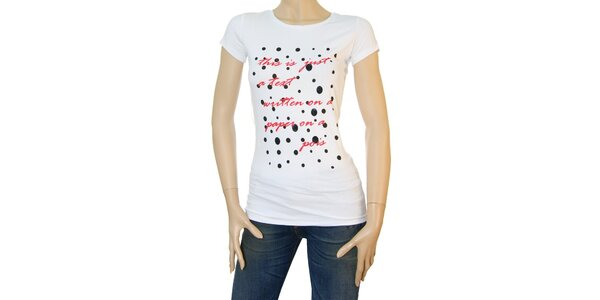 Dámske biele tričko Matt&Desy s červeným textom a bodkami