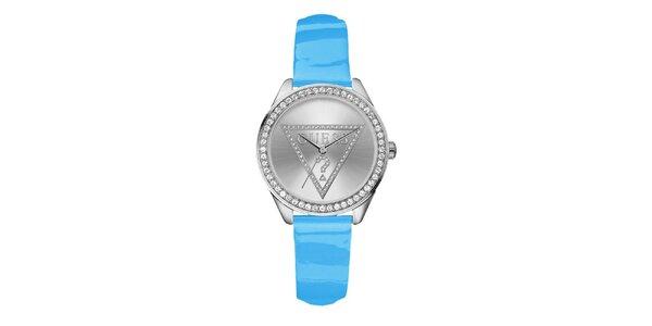 Dámske nebesky modré hodinky s kryštálikmi Guess