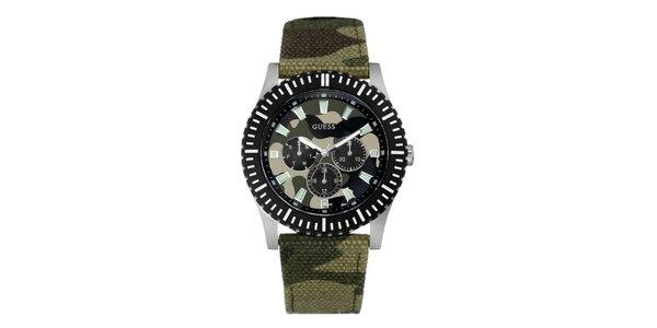 Pánske maskáčové analogové hodinky Guess