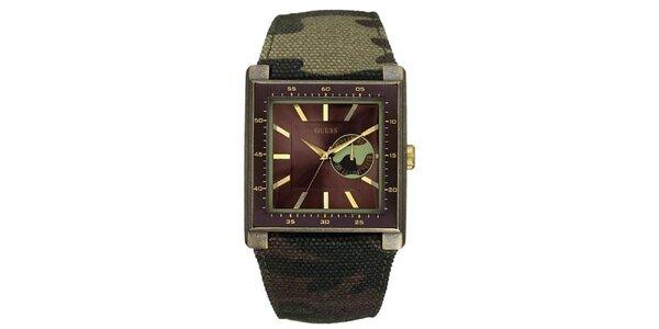 Pánske analogové hodinky s maskáčovým remienkom Guess