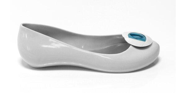 Dámske biele baleríny Favolla s modrou ružičkou