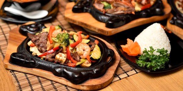 Panvička plná mäsa a ostrokyslá polievka