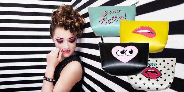 Kozmetická taštička s pastelovým dizajnom