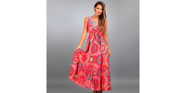 Dámske dlhé ružové šaty Des Si Belles s farebnými ornamentmi