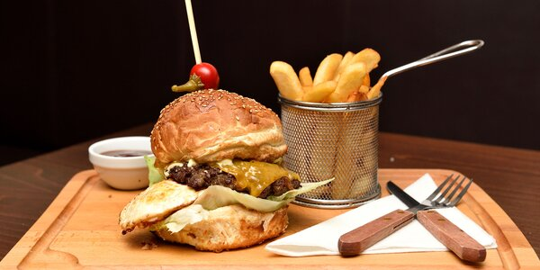 Kačací, kurací, hovädzí či vegetariánsky burger