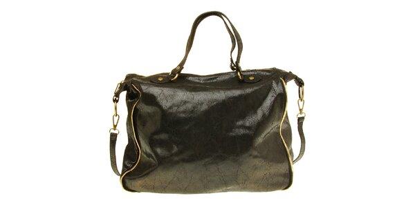 Dámska čierna kožená kabelka s žihaným povrchom
