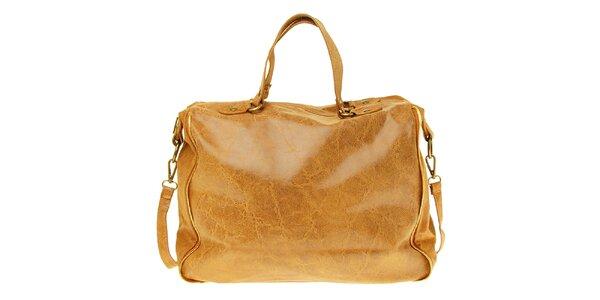 Dámska ťavia kožená kabelka s žihaným povrchom