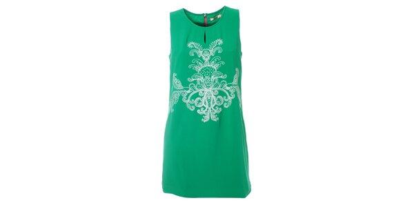 Dámske mätovo zelené šaty Kzell s bielou výšivkou a farebným zipsom
