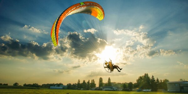 Motorový tandem paragliding pri Bratislave