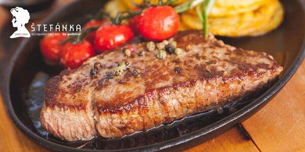 Milánsky teľací steak s prílohou a polievkou v Štefánke
