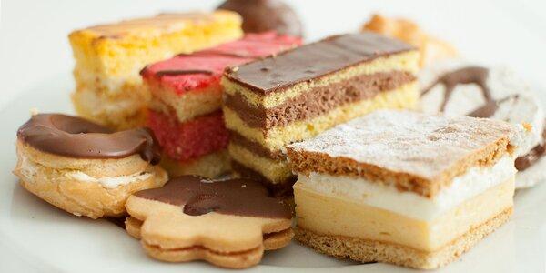 Domáce zákusky, torty a linecké koláčiky