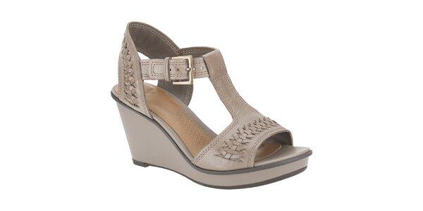 Dámske hnedé kožené sandále na kline Clarks