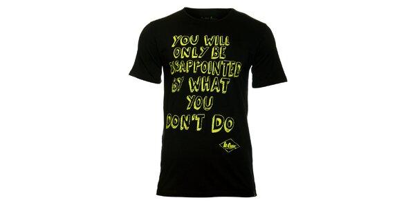 Pánske čierne tričko Lee Cooper so žltou potlačou
