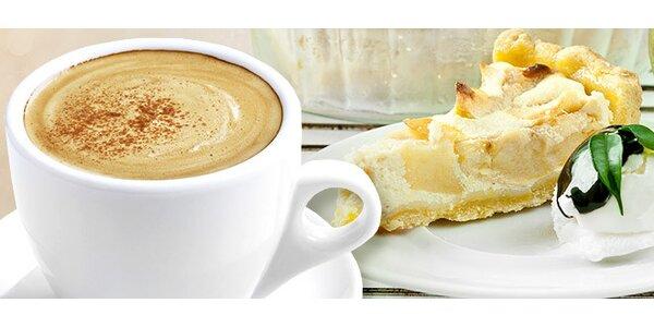 Espresso a tvarohovo-ovocný koláčik