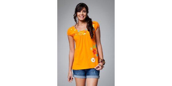 Dámske oranžové tričko Como Una Regadera s kvietkami