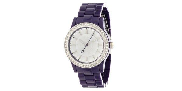 Dámske oceľové hodinky DKNY s fialovým keramickým ramienkom a kamienkami