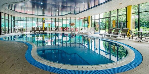3-hodinový vstup do bazéna a letnej záhrady