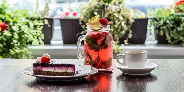 Káva s koláčom alebo toastom v Mňau café