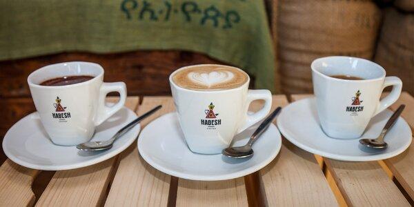 Lahodná etiópska káva alebo horúca čokoláda