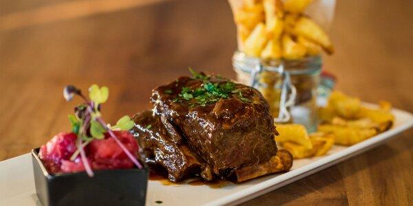 Konfitované hovädzie rebrá, teľací rump steak