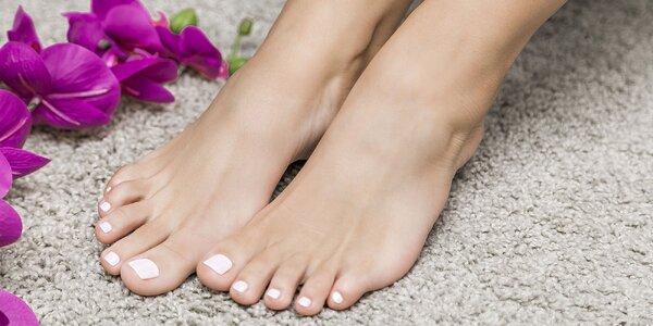 Suchá pedikúra aj s masážou chodidiel