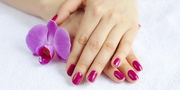 Profesionálna manikúra a gél lak na prírodné nechty