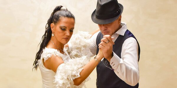 """Kurzy horúcej salsy v tanečnej škole """"Salsa, Son, Pasión"""""""