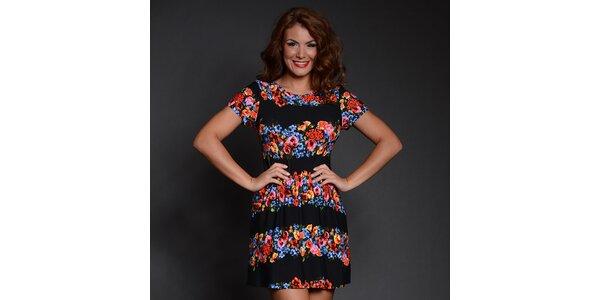 Dámske šaty s čiernymi pruhmi a kvetinovým vzorom Simonette