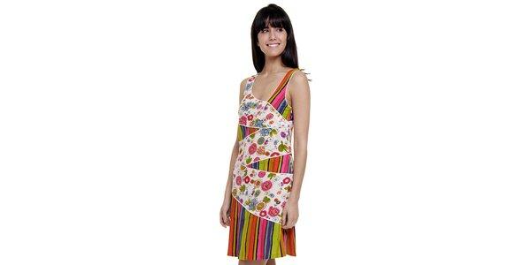 Dámske farebné pruhované šaty Peace&Love s bielou kvetinovou légou
