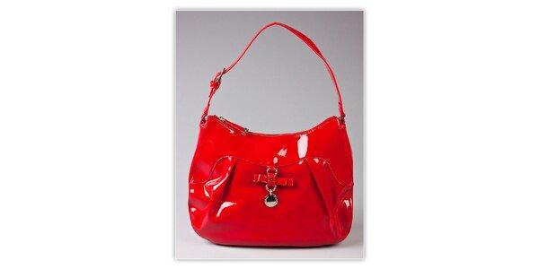 Dámska červená lakovaná kabelka s visačkou Ferré Milano