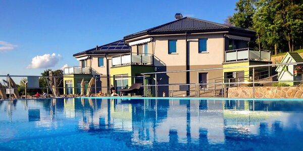 Pokoj a unikátny prelivový bazén na úpätí Považského Inovca
