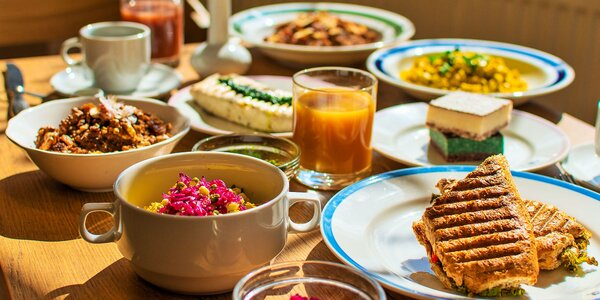 Najedzte sa zdravo! Raňajky, obed i burger u Pánov Báklažánov!