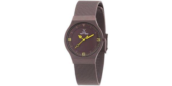 Hnedé analógové hodinky so žltými detailmi Toy