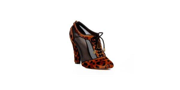 Topánky z dielne Bourne s leopardím vzorom