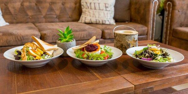 Ľahké letné šaláty: mäsové aj vegetariánske