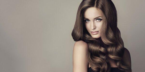 Ošetrujúce farbenie, strih i regenerácia vlasov