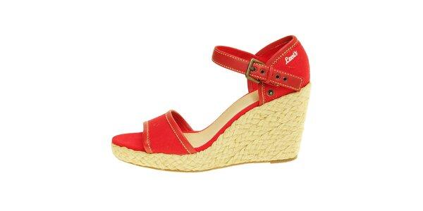 Dámske červené sandále Levis na jutovej platforme