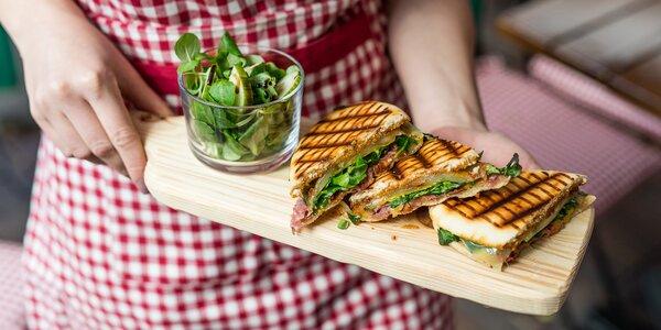 Chrumkavé panini či čerstvé šaláty v Primitivo