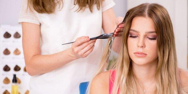 Zregenerované, nafarvbené, ostrihané či predĺžené vlasy